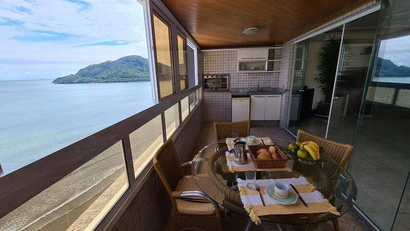 Incrível apartamento de frente para o mar, location de vacances à Itajai
