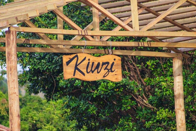 Kinzi Apartments, gardens and restaurant, vacation rental in Eastern Region