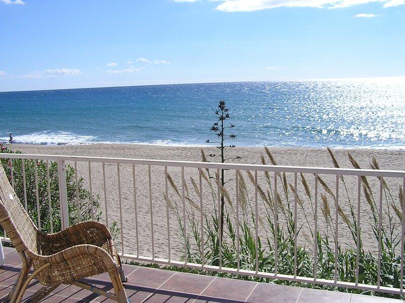 La Masia del Mar - Apartamentos con acceso directo a la playa - Vista al Mar, casa vacanza a Bonastre
