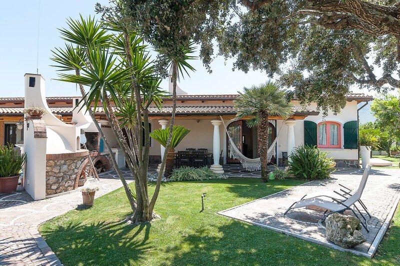 Casa vacanze LA CESA ideale per 4-8 persone a San Felice Circeo, vacation rental in Colonia Elena