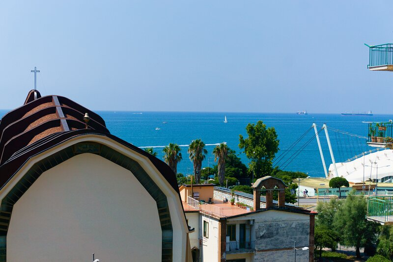 Neverending Sea Luxury Apartment in Salerno center, holiday rental in Salerno