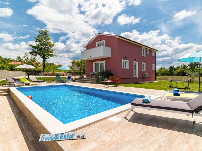 Villa May, casa vacanza a Tinjan