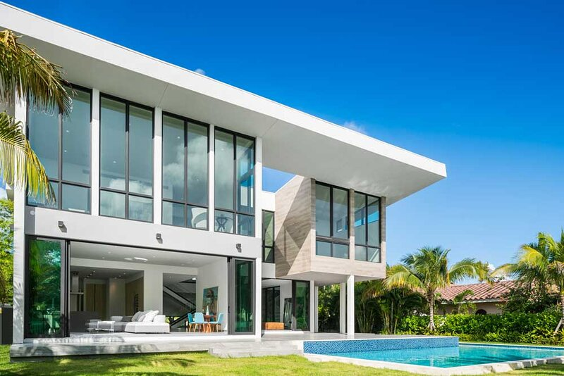 Brand New Modern Mansion, Waterfront, 6 Suites #2, vacation rental in Hallandale Beach