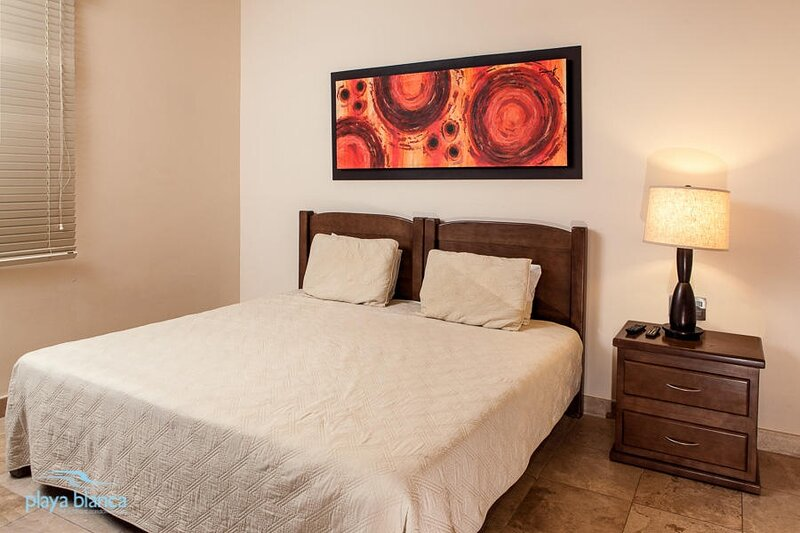 Bed,Furniture,Lamp,Room,Indoors