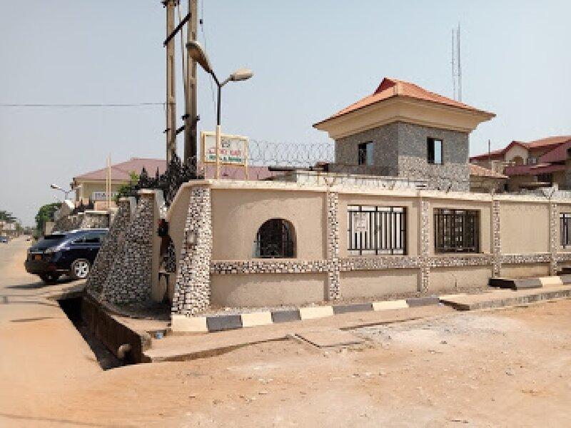 Choice Gate Hotel SuitesPresidential Suite for 6, casa vacanza a Edo State