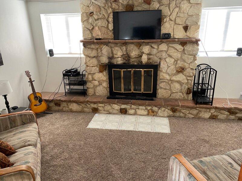 1303 N Dustin Ave, holiday rental in Flora Vista