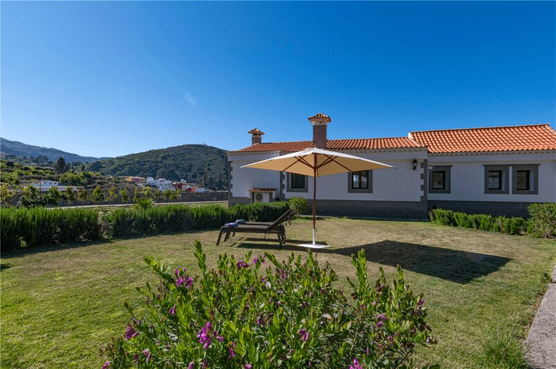House - 3 Bedrooms with Pool and WiFi - 108189, holiday rental in Pino Santo Alto