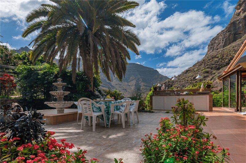 Villa - 3 Bedrooms with Pool and WiFi - 108193, holiday rental in Cercados de Espinos