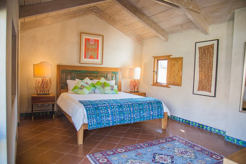 Turquoise Luxury Apartment in The Heart of Colonial Antigua, vakantiewoning in Guatemala