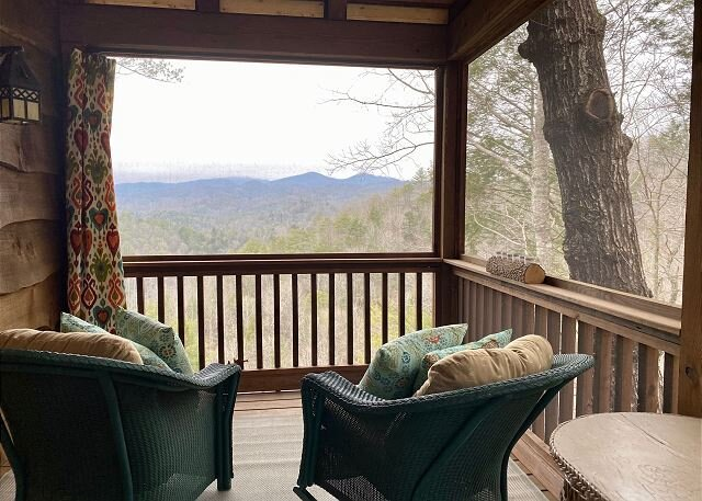 Custom Cabin,Sunset Views,HotTub,Indoor & Outdoor Fireplaces,Pet Friendly, vacation rental in Lenoir