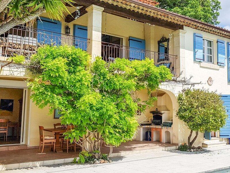 Le Tignet Villa Sleeps 10 with Pool - 5879473, alquiler vacacional en Le Tignet