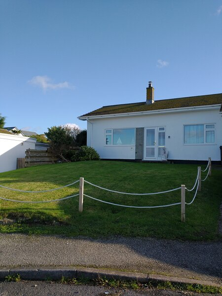 Mor Gwyns Bungalow, Port Isaac, vacation rental in Port Gaverne