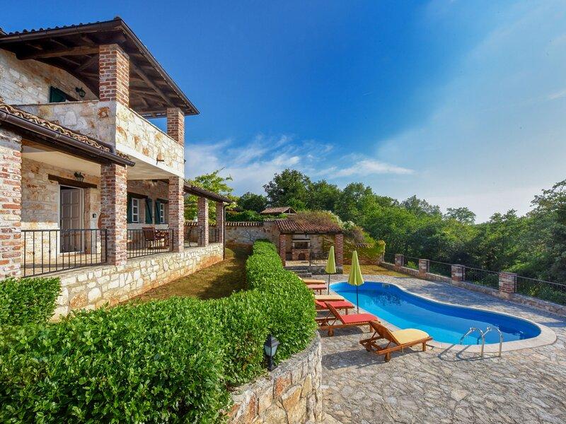 Papaver, holiday rental in Mofardini