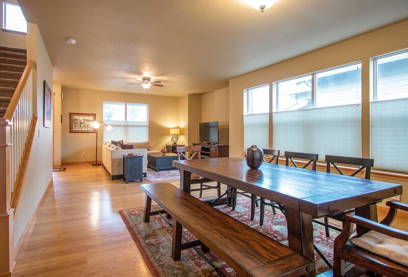 Redtail *30 day minimum, vacation rental in Stevenson