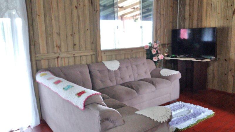 Casa Aconchegante próximo à Praia de Ibiraquera (disponível temporada), holiday rental in Barra de Ibiraquera