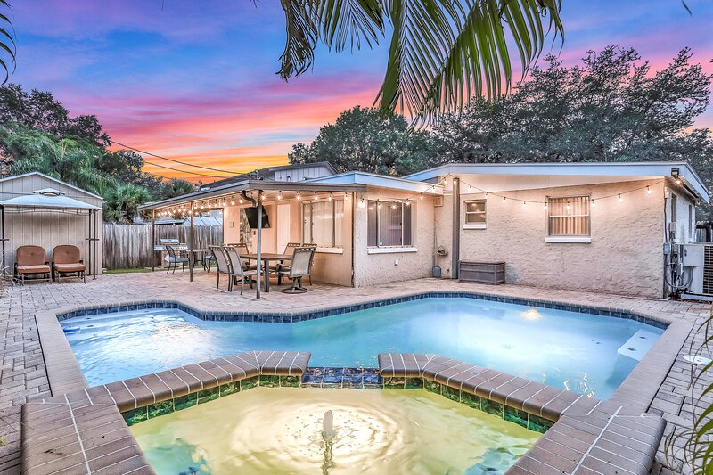 Comfy, Dog-Friendly House with Private Pool, Hot Tub, & Patio! Near the Beach!, vacation rental in Seminole