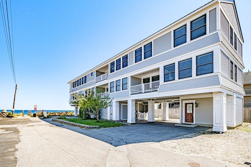 Unique Beachfront Property Now Available to Rent in Old Orchard Beach, Maine, holiday rental in Prouts Neck