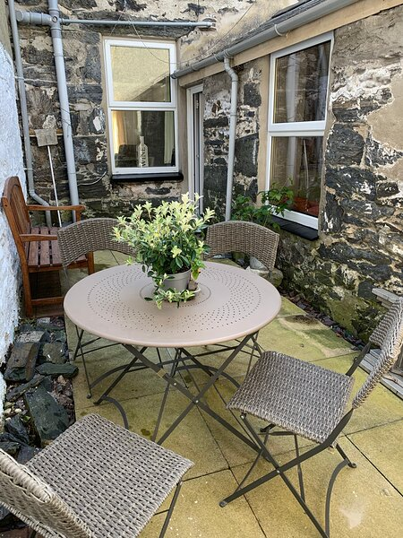 Porthmadog Haven, spacious, pet friendly and central, holiday rental in Portmeirion