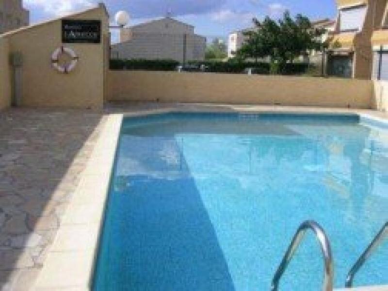 Agréable appartement dans résidence fermée avec piscine, holiday rental in Marseillan Plage