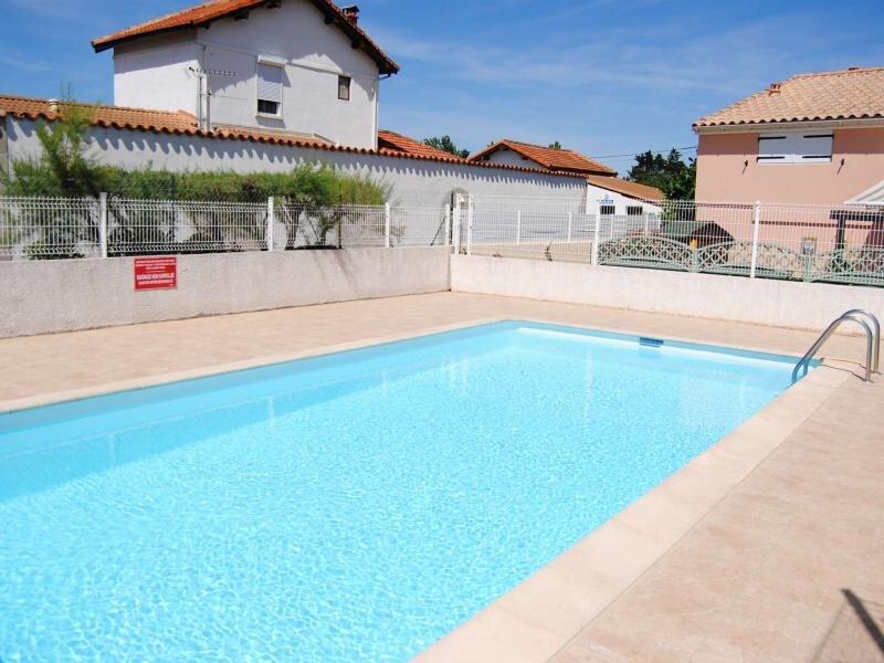 Maison de vacances dans résidence avec piscine, holiday rental in Marseillan Plage