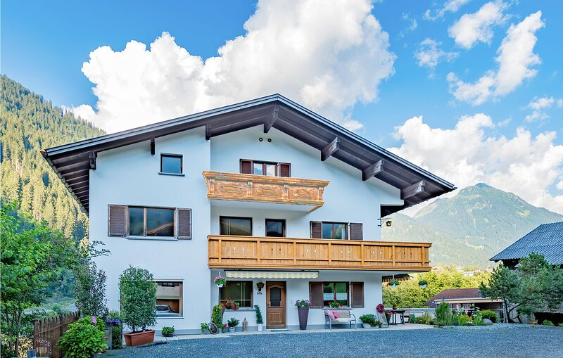 Stunning home in St. Gallenkirch with Sauna and 6 Bedrooms (AVO142), holiday rental in Sankt Gallenkirch
