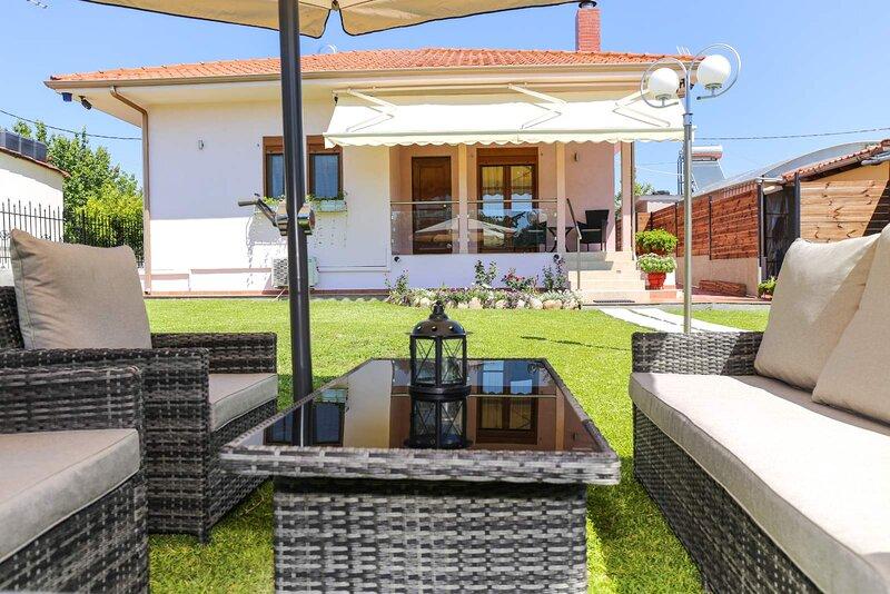Villa Rêve, location de vacances à Nea Triglia