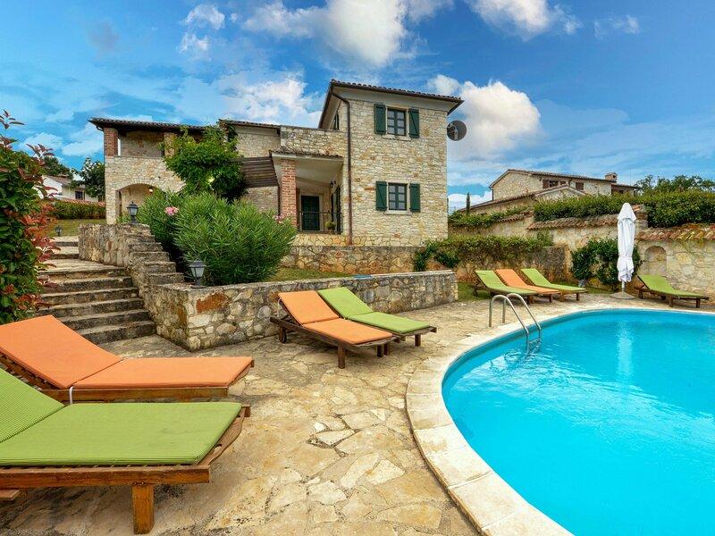 Prunella, holiday rental in Mofardini