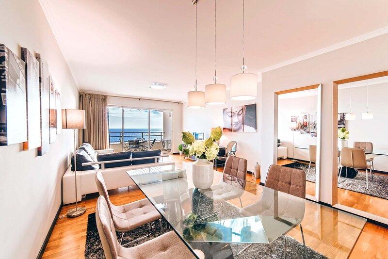 Oceanside Terrace Apartment, aluguéis de temporada em São Martinho