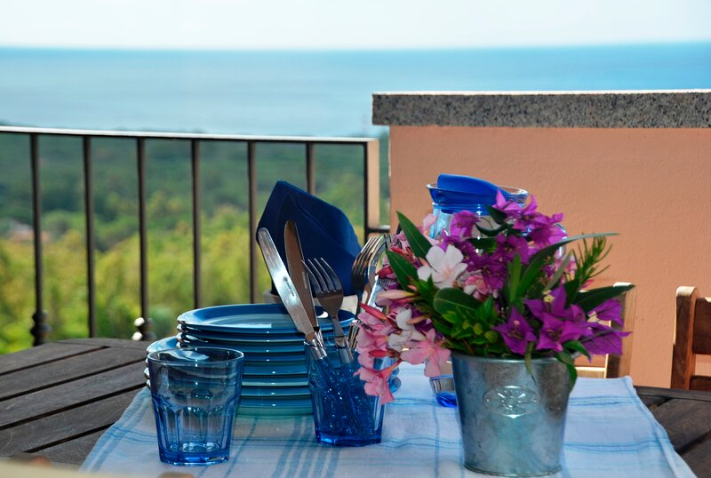 Casa Incantata - Sea view 5 minutes away from Chia, holiday rental in Eden Rock