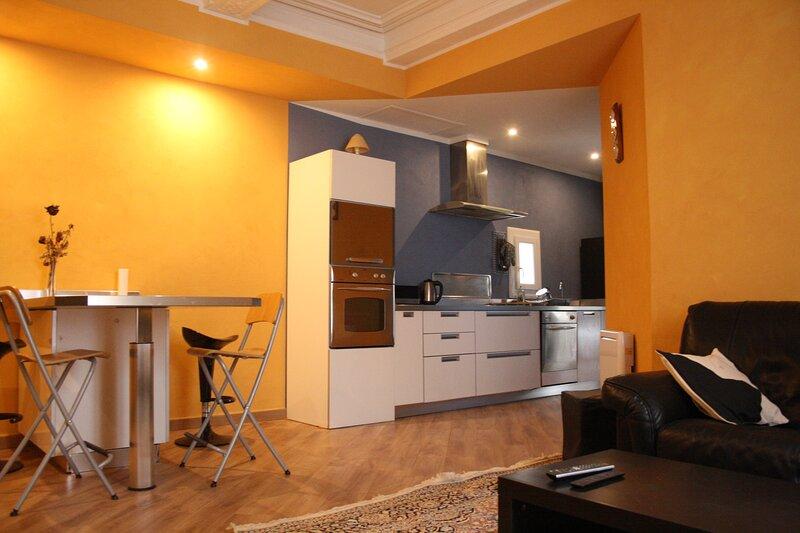 Résidence Verdi - 'Le Nabucco' *** - 2 chambres en centre ville, holiday rental in Bedarieux