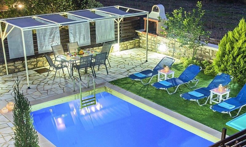 Casa Melia Heated Pool, holiday rental in Paralia Kourna