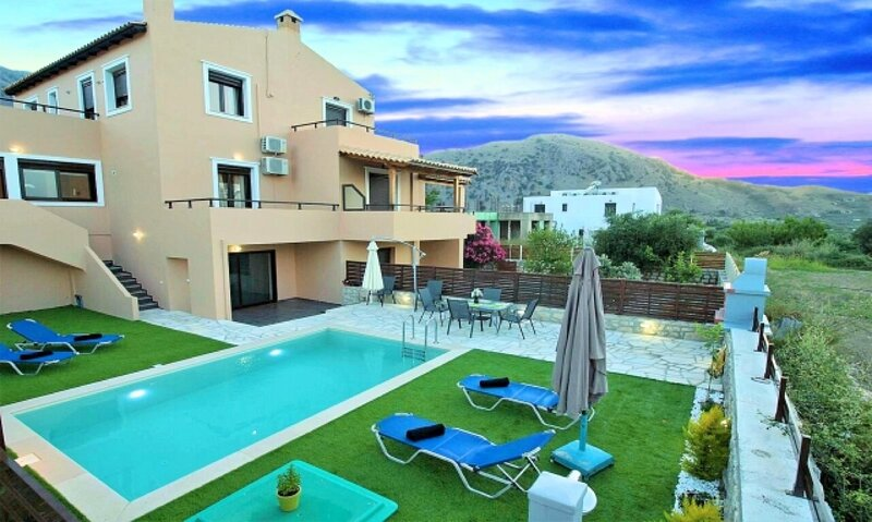 Casa Melia Heated Pool, vacation rental in Kournas