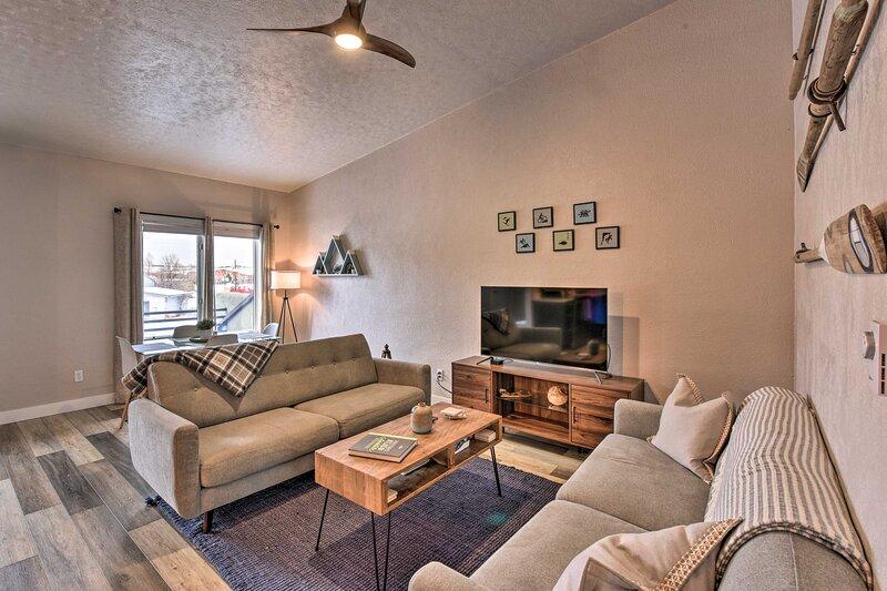NEW! Buena Vista Condo, < ½ Mi to River & Main St!, holiday rental in Johnson Village