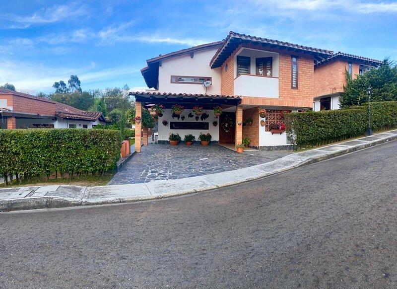 Hermosa casa familiar en El Retiro, holiday rental in Rionegro