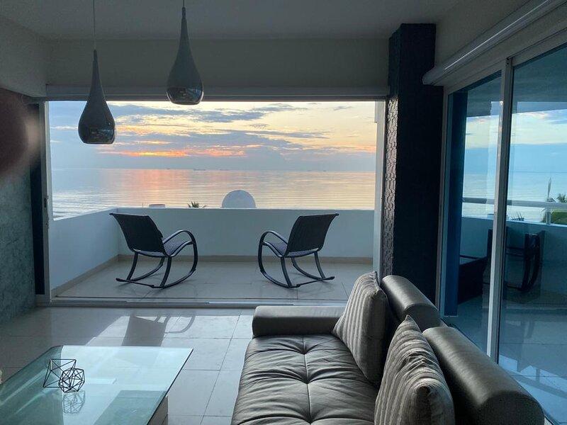Departamento de lujo frente al mar 501, location de vacances à Monte Gordo
