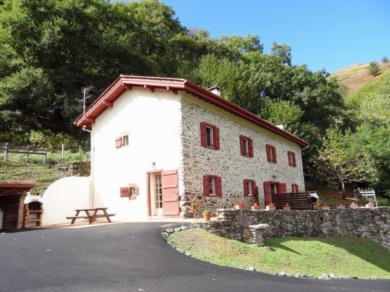 KONTTENTT, location de vacances à Luzaide