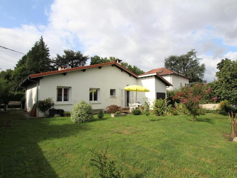 Location Gîte Pau, 4 pièces, 5 personnes, vacation rental in Saint-Laurent-Bretagne