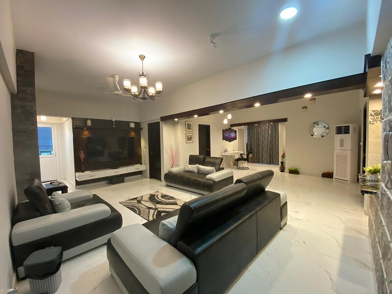 Stylish & Luxury 2br Family Place; Kitchen,Swimming Pool,Terrace,Full AC, vakantiewoning in Pakistan