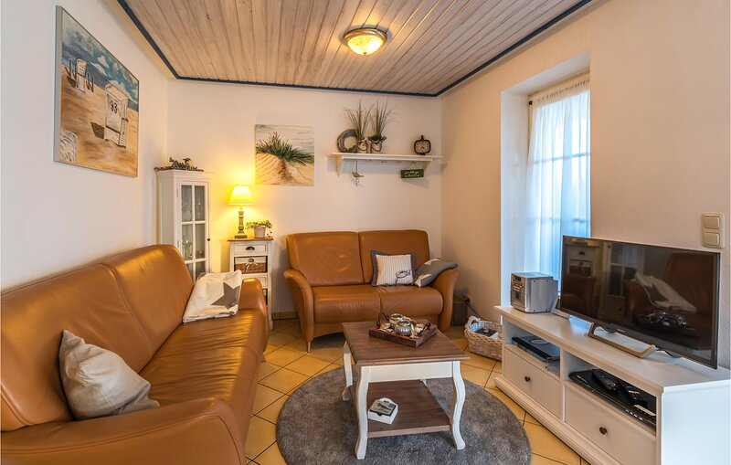 Stunning apartment in Friedrichskoog with WiFi and 2 Bedrooms (DSH808), holiday rental in Friedrichskoog