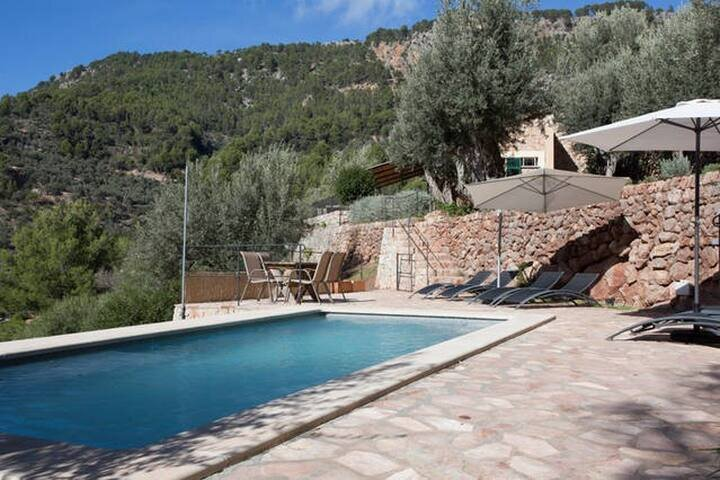 Beautiful, Recently Renovated Stone Finca With Private Pool And Stunning Views, holiday rental in Sa Calobra
