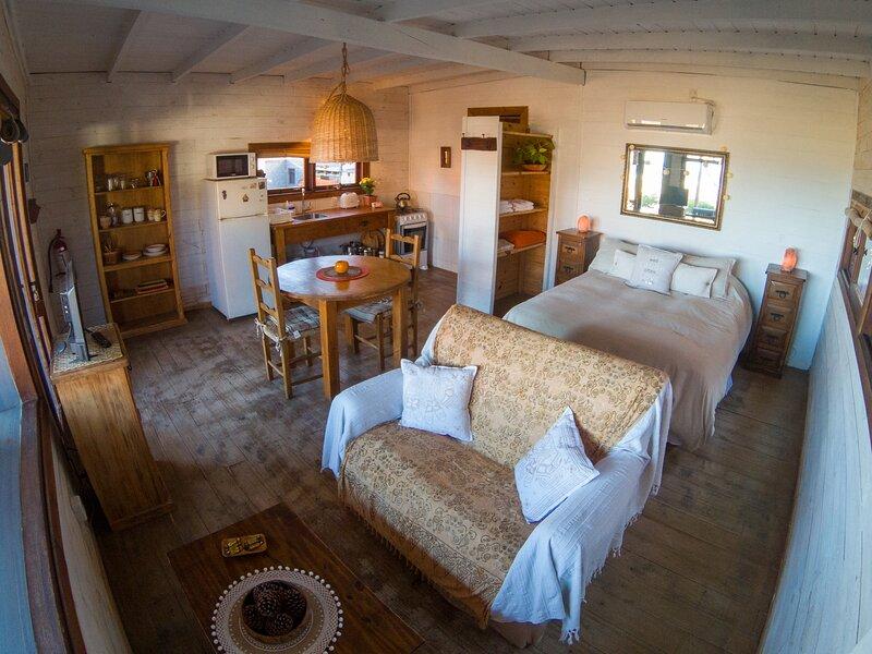 Cabañas Kundalini Punta del Diablo, casa para dos huéspedes frente al mar., vacation rental in Punta del Diablo