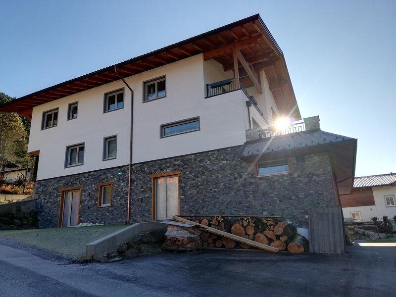 Appartement Tauern-Blick, holiday rental in Forstau