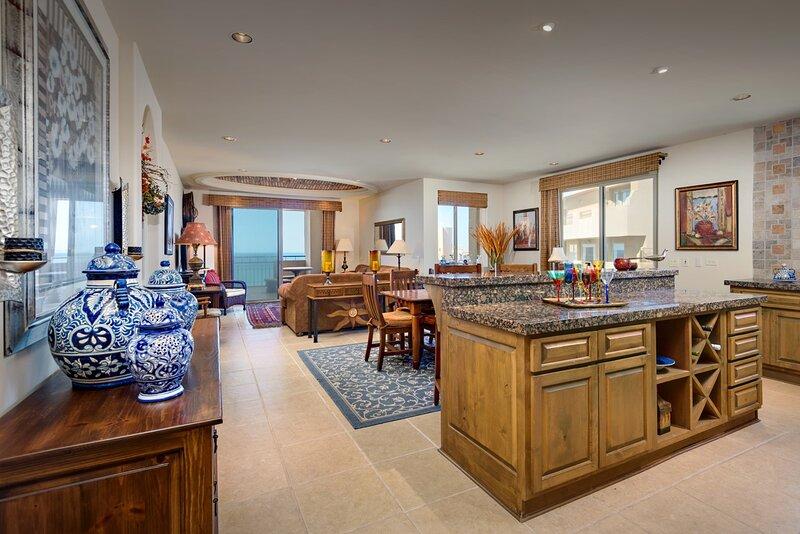 NEW! HUGE luxury 2br/2ba condo 8th floor; Bella Sirena, Sandy Beach, casa vacanza a Puerto Penasco