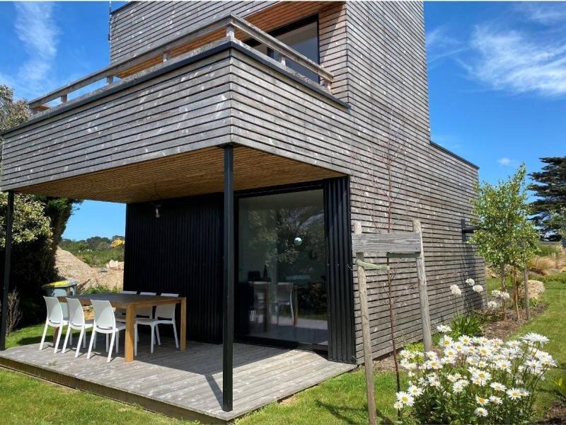 Maison neuve à 100m de la plage à Landrellec en PLEUMEUR-BODOU, vakantiewoning in Tregastel-Plage