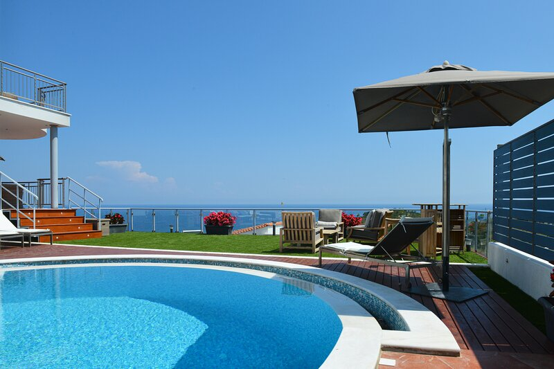 Capricorn Sea View Villa, location de vacances à Skiathos Town