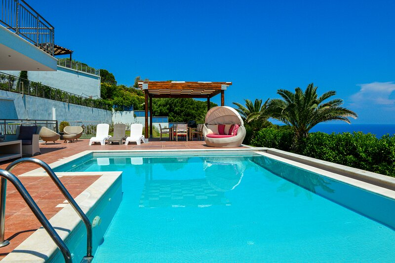 Sagittarius Sea View Villa, location de vacances à Skiathos Town
