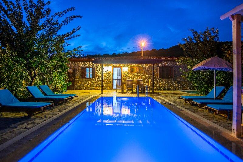 Privet Hidden Pool Holiday Villa Arimas – semesterbostad i Kayakoy