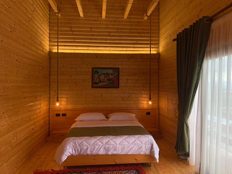 Hotel Shpija e Gjyshit (Gradpa's House), location de vacances à Shkoder County