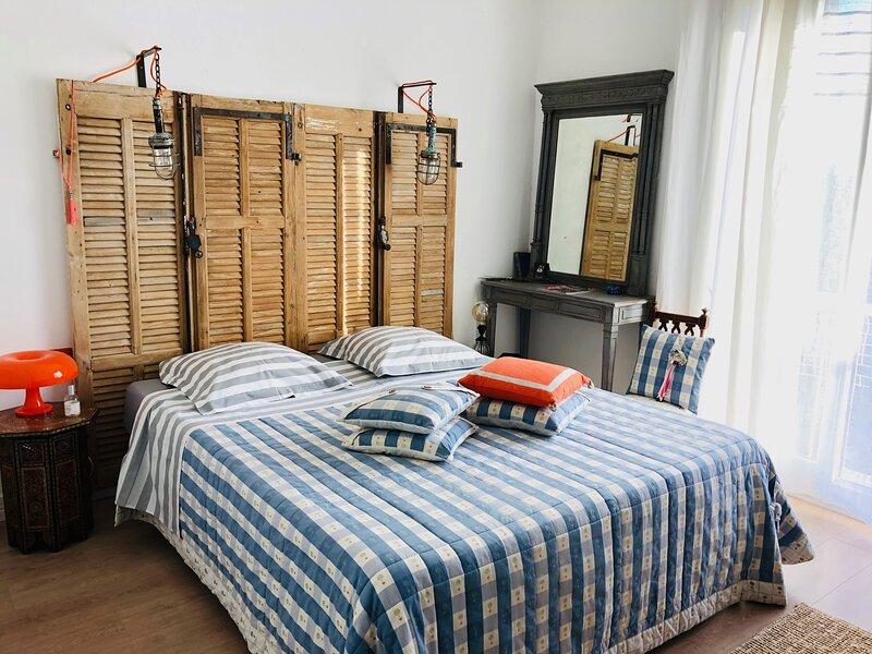 Appartement 5mn à pied du centre historique, holiday rental in Saint-Marc-Jaumegarde