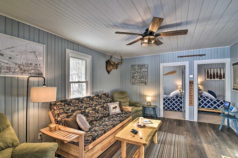 'Rockwood Hills:' Quiet Lakefront Retreat w/ Dock!, holiday rental in Rockwood